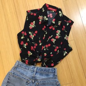 Vintage strawberry and cherry print top 🍒🍓
